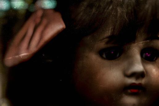 Vintage Dolls: Far Away Eyes